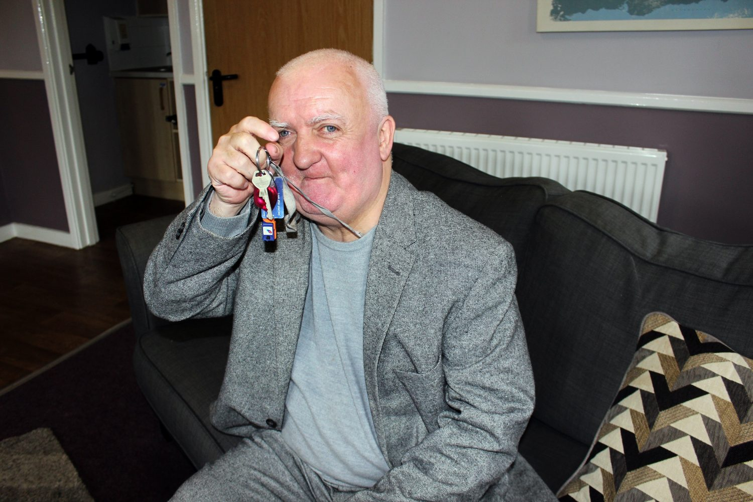 Housing Petrus service user with keys